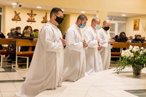 Mimoriadny rozdávatelia eucharistie